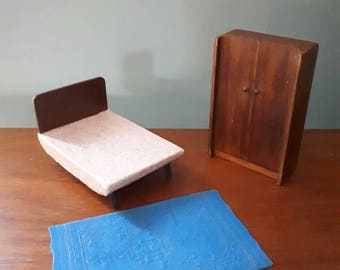 Vintage Dolls House Bedroom Furniture Bed Rug Wardrobe Barton