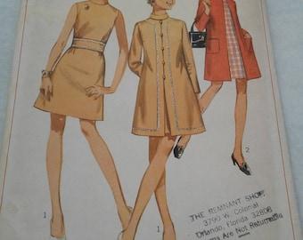 Vintage Simplicity 7999 - Junior Petite - Size 7JP - Bust 32 (1968)