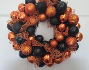 Halloween wreath/ fall wreath/ door wreath/front door wreath/housewarming wreath