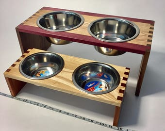 Doggie Diner/ Pet Feeder