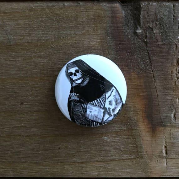 """1"""" Skeleton Nun Pin"""