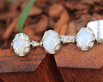 Moonstone Ring, Sterling Silver Ring, Rainbow Moonstone, Flower Ring, Gifts for Her, WEdding Gift, Wedding Jewellery, June Birthstone