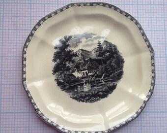 Small dish, petit fours dish, Society Ceramique Maastricht, landscape.