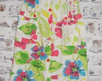 Size 10-12 vintage 80s button gathered midi summer skirt white floral (HA37)