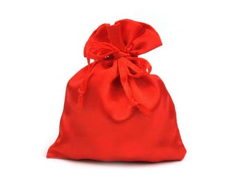 5 gift bags in fine satin, red, 9 x 11 cm