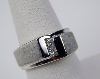 14k white gold .40 Ctw diamond ring #10605