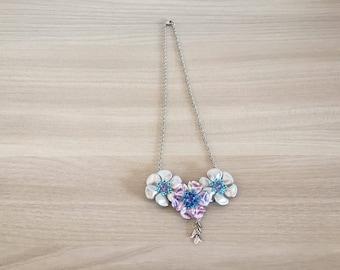 Beaded necklace Primroses
