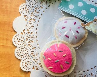cookies , toys for cats , Felt , catnip, fruits, Les Artistochats