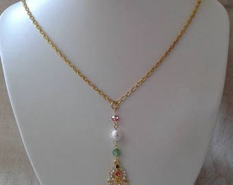 style oriental gold and rhinestone necklace