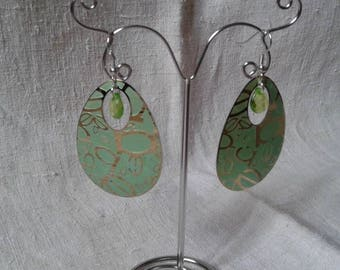 """b"" green oval earrings"