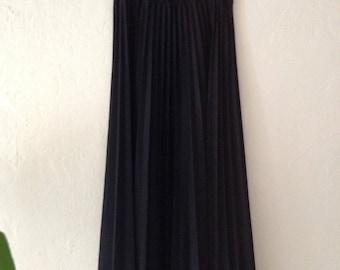 Vintage Black Accordian Pleated Skirt Size Small/ Medium