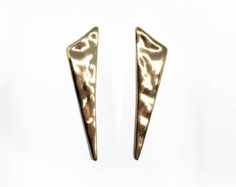 Triangle hammered texture stud earring