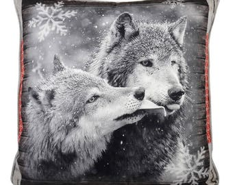 """Alaskan Grey Wolf Winter scene  Couple Filled Piped Large Cushion, 50cm x 50cm (20"""" x 20"""")"""