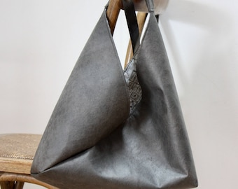 """""""Origami"""" gray leather lined with cotton bag"""