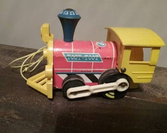 Vintage 1962 Fisher-Price Toot-Toot Train Toy #643