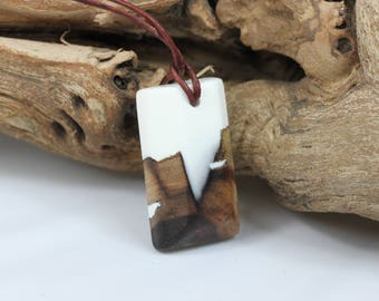 Superior wood resin necklace necklace with precious wood in pure white. Resin wood, nature lovers father's day nature, for him and her