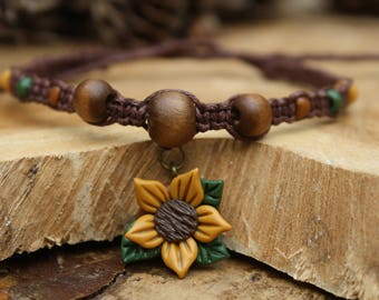 Macrame ankle bracelet / anklet with a flower charm and some wooden beads