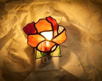Stained glass night light pink