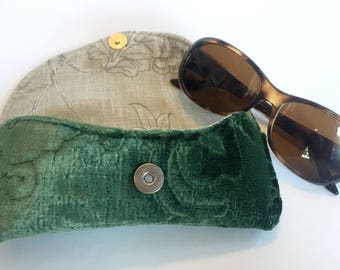 Green Eye Glass Case with Magnetic Closure