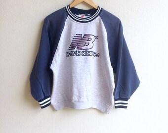 Sportswear! The famous original NEW BALANCE CLOTHING embroidery big logo sweatshirt gray colour medium size
