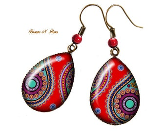 Bronze Indian paisley earrings drops cabochon red India glass