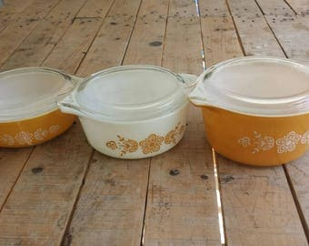 Vintage Pyrex Butterfly Gold Set of 3 casseroles 473, 472, 471 with lids