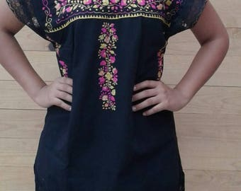 MINI Mexican embroidered dress with lace / Mexican blouse size small to medium