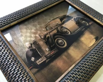 Picture on gilded glass. Retro car