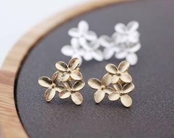 Daisy flowers blossom studs earrings, flower post earrings,Flower Bouquet earrings, Cherry Blossom  stud earrings