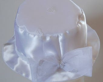 Satin and tulle White Cap