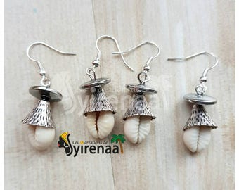 Earrings with cowrie shells