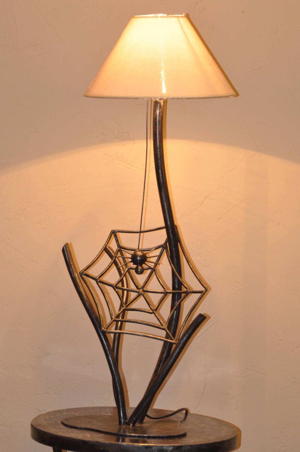 lampe araign e en fer forg vernis. Black Bedroom Furniture Sets. Home Design Ideas