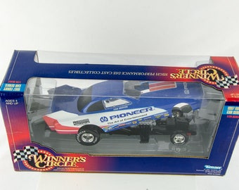 Winners Circle 1997 Funny Car Series Tom Hoover 1/24 Scale Diecast Car