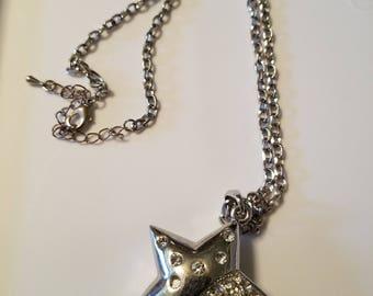 Chain w/ star