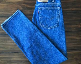 FREE SHIPPING Levi's 505 jeans 28 29 inch waist Size 6