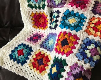 Crochet granny square blanket- Flowers in the snow
