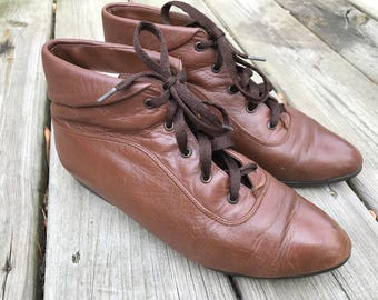 Vintage 80s 1980s 90s Brown Lace Up Ankle Boots Booties Grunge Granny Size 8 Cherokee