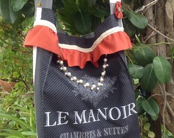 Tote bag, elegant shopping bag.