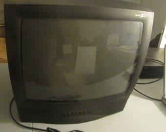 "Zenith A19A11D 19"" 19 Inch Crt Color Television, Black"