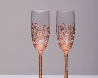 Wedding glasses rose gold Personalized glasses Rose Gold Champagne flutes rose gold Toasting glasses laser engraved Flutes set of 2