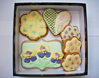 set of decorated cookies,gift cookies