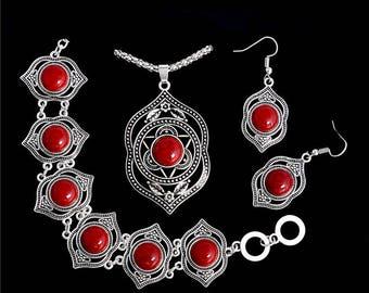 KENDRA SCOTT Brandy Melville Silver Flower Jewelry Set Extraordinary Pendant African Earring