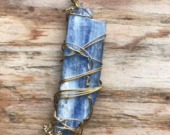 blue kyanite wire wrapped throat chakra