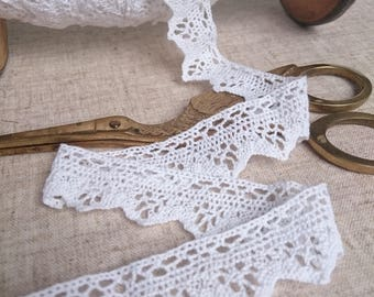 "4 metres of Vintage Cluny cotton lace trim 1"" deep  1940's dolls dressmaking costume"