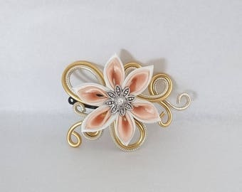 striped ecru aluminum hair clip / light gold and flower
