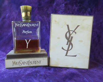 très beau flacon ancien et son parfum d'origine par Yves Saint Laurent /beautiful old bottle and its original perfume by Yves Saint Laurent