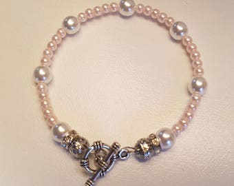 Vintage bracelet White Pearl glass beads and Pink Silver round clasp