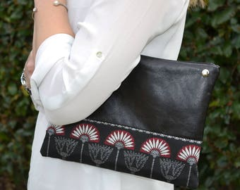 "Pouch Black bi-material and African motifs ""Virginia"""