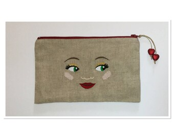 LINEN CASE EMBROIDERED FACES OF WOMEN ON BOTH SIDES