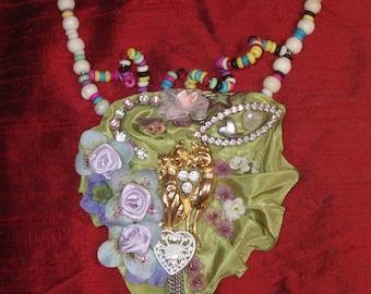 Bib necklace designer vintage baroque love cats